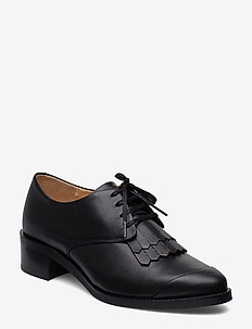 Elite Fringe Shoe - BLACK