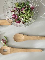 Sagaform - Nature salad servers - salatbestikk - brown - 1