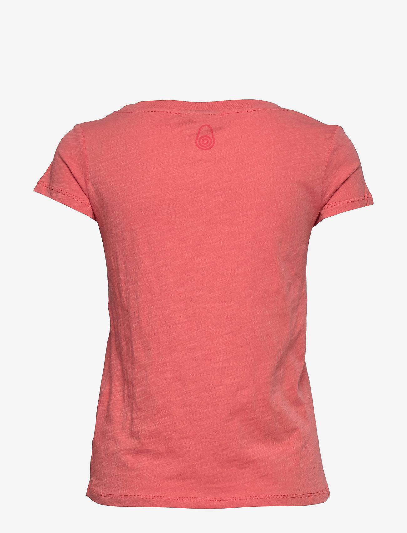 Sail Racing - W GALE TEE - t-shirts - desert flower - 1