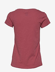 Sail Racing - W GALE TEE - t-shirts - maroon - 1