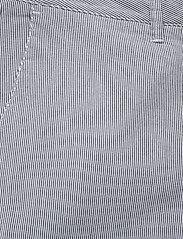 Sail Racing - W GALE STRIPED CHINO SHORTS - chino shorts - navy stripe - 2