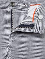 Sail Racing - W GALE STRIPED CHINO SHORTS - chino shorts - navy stripe - 3