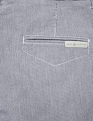 Sail Racing - W GALE STRIPED CHINO SHORTS - chino shorts - navy stripe - 4