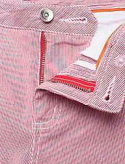 Sail Racing - W GALE STRIPED CHINO SHORTS - chino shorts - storm red stripe - 3