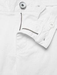 Sail Racing - W GALE CHINO SHORTS - chino shorts - white - 3