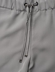 Sail Racing - W RACE WOVEN SHORTS - short de randonnée - dim grey - 2