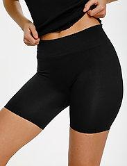 Saint Tropez - T5920, NinnaSZ Microfiber Shorts - cykelshorts - black - 5