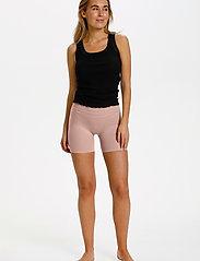 Saint Tropez - T5920, NinnaSZ Microfiber Shorts - cykelshorts - nude - 3