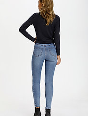 Saint Tropez - T5757, TinnaSZ Jeans - skinny jeans - light blue denim - 4