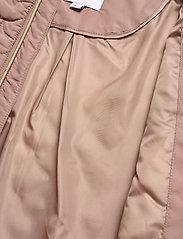 Saint Tropez - EmmySZ Vest - puffer vests - antler - 6