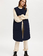 Saint Tropez - DiaraSZ Long Vest - puffer vests - blue deep - 3