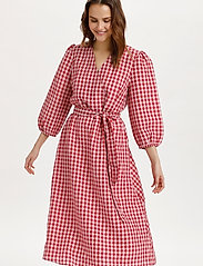 Saint Tropez - FluccaSZ Dress - sommerkjoler - begonia pink - 0