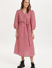 Saint Tropez - FluccaSZ Dress - sommerkjoler - begonia pink - 4