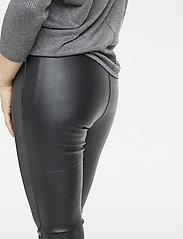 Saint Tropez - FAUX LEATHER LEGGINGS - nahka - black - 3