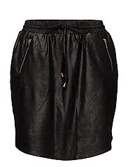 SPORTY FAUX LEATHER SKIRT - BLACK