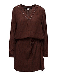 BRAIDED LINES WOVEN DRESS - CHERRY M.