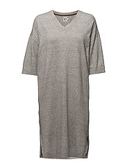 LONG  KNITTED DRESS - C. GREY M