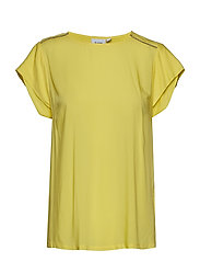 TOP W SLEEVE DETAIL - YELLOW C.