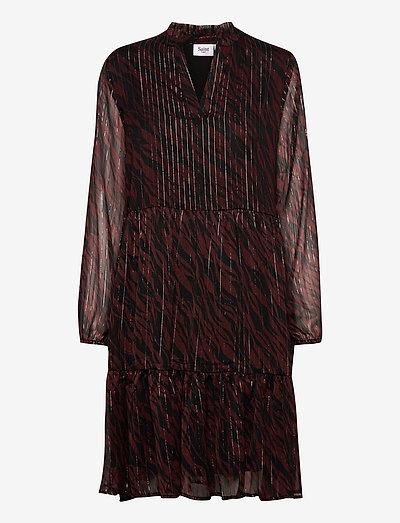 DednaSZ Eda LS Dress - hverdagskjoler - fudge stained leaves