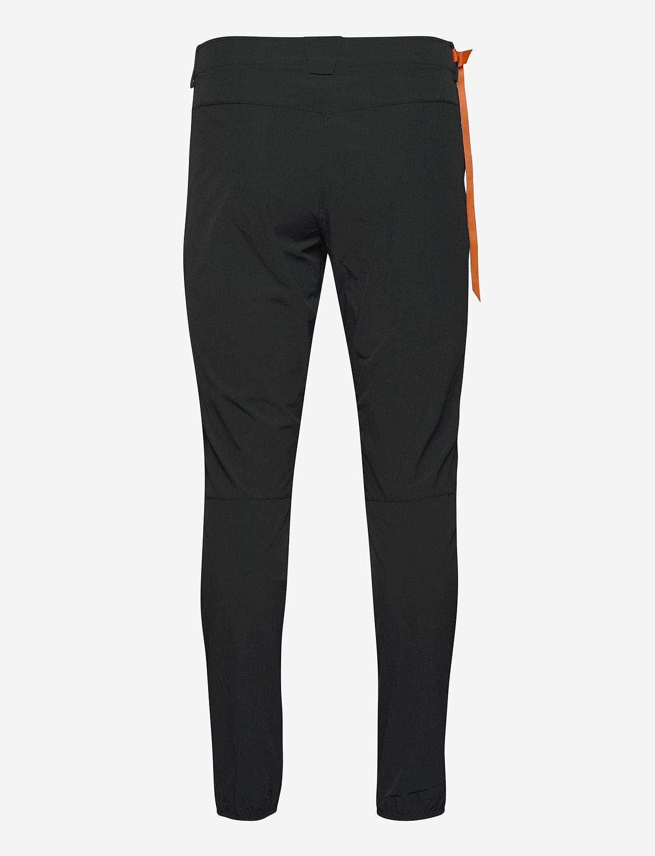Salomon - WAYFARER TAPERED PANTS M Black - outdoorbukser - black - 1