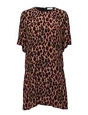 Adelaide dress aop 8083 - LEOPARD ROUGE