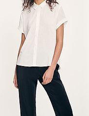 Samsøe Samsøe - Majan ss shirt 9942 - kortärmade skjortor - clear cream - 3