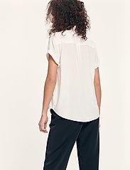 Samsøe Samsøe - Majan ss shirt 9942 - kortärmade skjortor - clear cream - 4