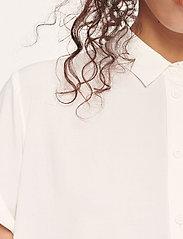 Samsøe Samsøe - Majan ss shirt 9942 - kortärmade skjortor - clear cream - 5