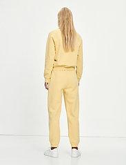 Samsøe Samsøe - Carmen trousers 10902 - sweatpants - sahara sun - 3