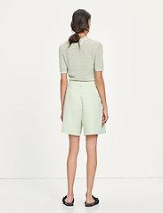 Samsøe Samsøe - Fally shorts 13104 - bermudas - fog green - 3