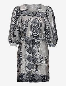 Henrietta dress aop 11244 - kurze kleider - porcelain