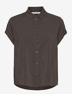 Majan ss shirt 9942 - kortärmade skjortor - black olive