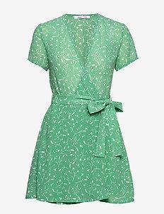 Klea short dress aop 6621 - robes portefeuille - feuilles menthe