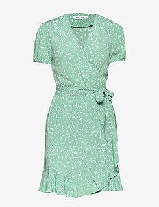 Linetta dress aop 10056 - robes portefeuille - feuilles menthe
