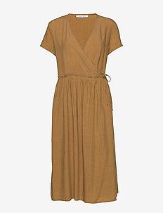 Fiona dress 12686 - slå-om-kjoler - dijon