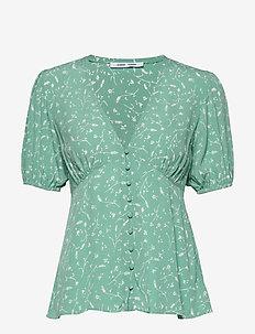 Petunia ss blouse aop 10056 - kortärmade blusar - feuilles menthe