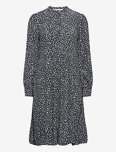 Nusa shirt dress aop 10864 - robes courtes - snowflake