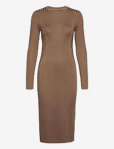 Jenari dress 13053 - fodralklänningar - caribou