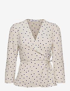 Britt wrap blouse aop 10864 - langærmede bluser - clematis dot