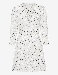 Britt s wrap dress aop 10864 - sommerkjoler - clematis dot