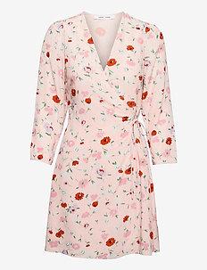 Britt s wrap dress aop 10864 - sommerkjoler - pink garden