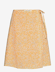 Britt s wrap skirt aop 10864 - kietaisuhameet - golden aster