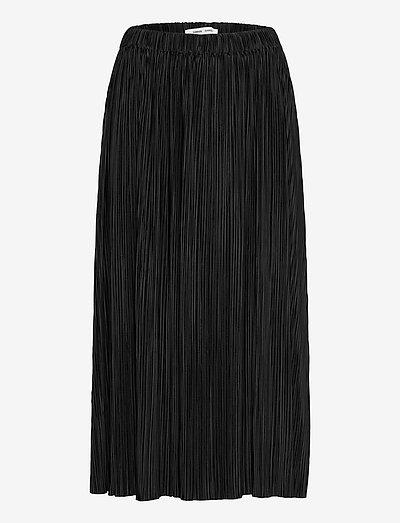 Uma skirt 10167 - midi nederdele - black