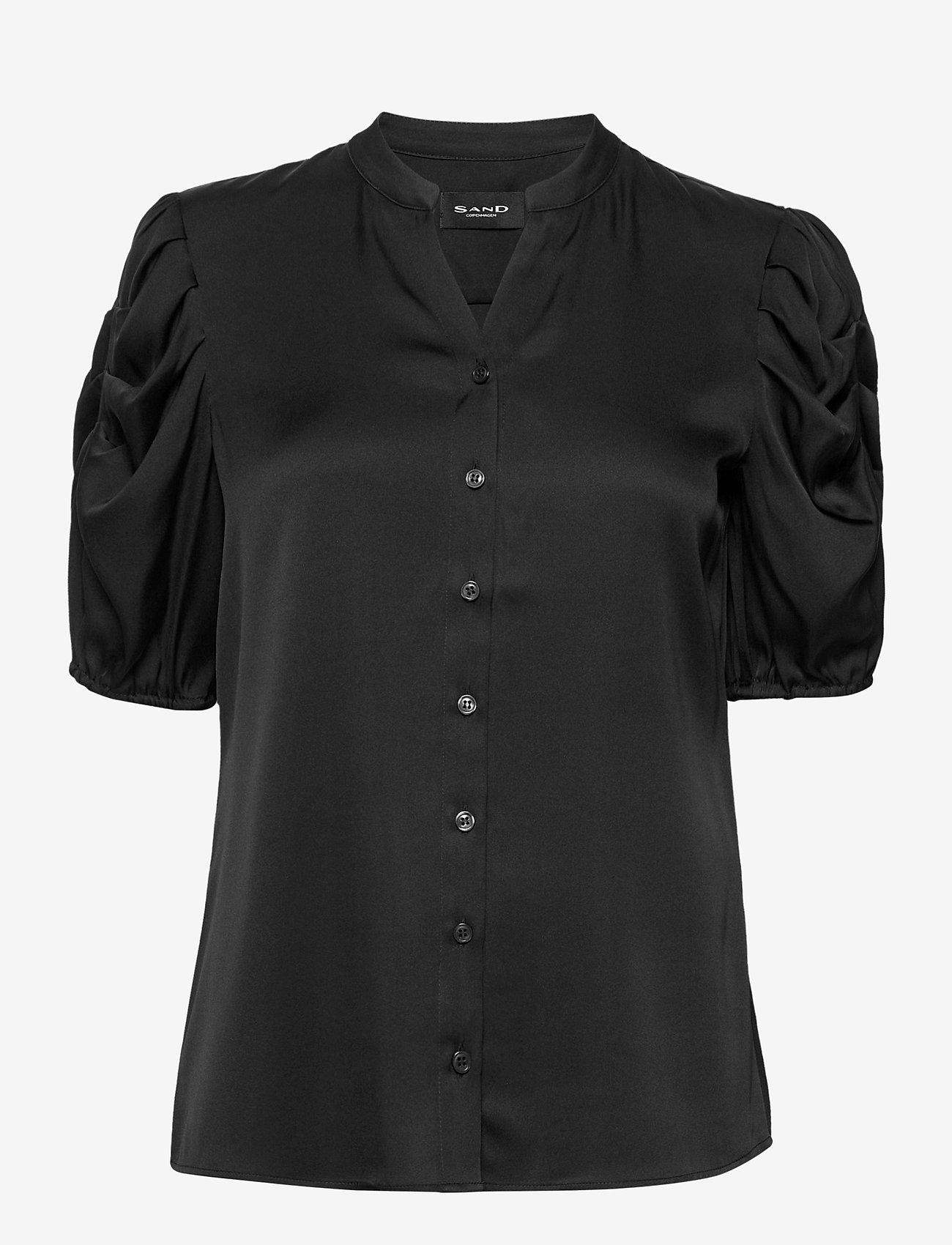 SAND - Satin Stretch - Naolin - short-sleeved blouses - black - 0