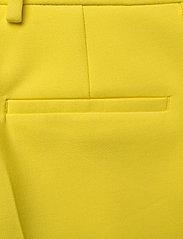 SAND - 3596 - Dori A - slim fit broeken - pale yellow - 4