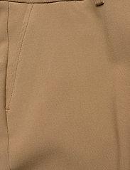 SAND - 3596 - Sasha Tailored - broeken med straight ben - light camel - 2