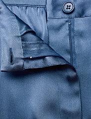 SAND - Double Silk - Sasha Flex Pleated - vida byxor - medium blue - 3