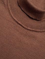 SAND - Merino Embroidery - Id - perusneuleet - brown - 2
