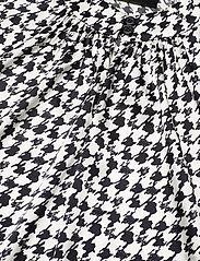 SAND - 3174 Satin - Prosi Top - blouses sans manches - pattern - 2