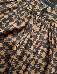 SAND - 3174 Satin - Prosi Top - blouses zonder mouwen - pattern - 2